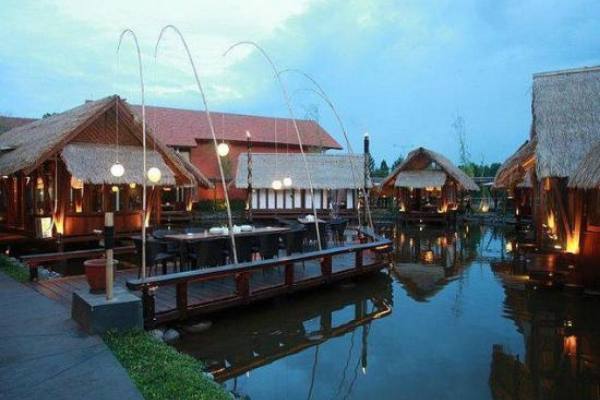 Restoran Hits Tangerang Selatan