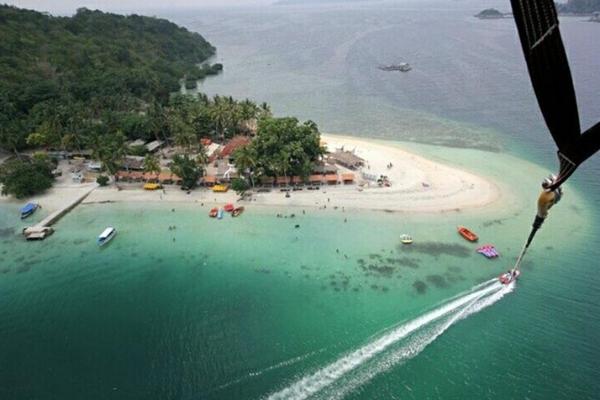 Pulau-Tercantik-di-Lampung